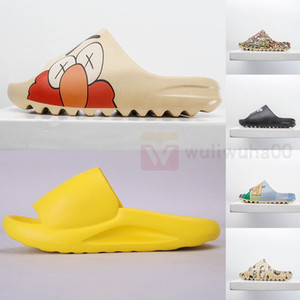 Yeezy X dibujos animados Kanye Diapositivas Negro resina blanca para mujer para hombre del deslizador de espuma Verano Diseñador sandalia sandalias de los holgazanes pantoufle