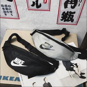 Moda 2 colori unisex di lusso Shoulder Bag Marsupio Womens Mens di marca Croce Body Adolescente Fannypack Marsupio Petto Bag Q B105626Z