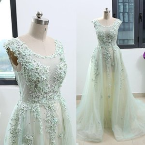 2020 Evening Dresses A Line Scoop Sweep Train Prom Party Gowns With Lace Applique Tulle Red Carpet Dresses
