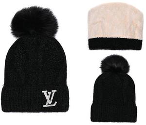 2018 새로운 패션 Unisex 겨울 브랜드 캐나다 남자 비니 보닛 여성 캐주얼 뜨개질 힙합 Gorros pom-pom 두개골 모자 머리 공 야외 모자