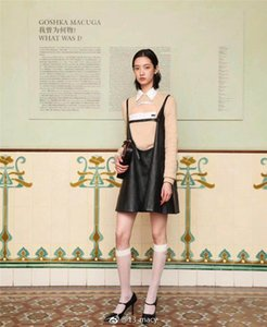 Schwarz Weiß New Designs Stocking 2020 Frühlings- und Sommer Translucence Frauen Strumpf P Brief Logos Socken Luxus