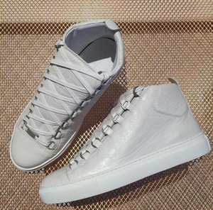 Wrinkled Lambskin Pairs Arena sneakers Luxury High top Style Outwear Mens sneakers Comfort and Durable Rubber Sole Shoes
