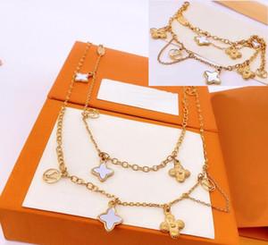 Set di gioielli in stile Europa America Signora Donne nappe nappe Flower V INIZIALI Fioritura Strass Doppio collana Braccialetto