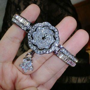 Lüks Kadın Saatler! Bayanlar Pırlanta Bilezik İzle Kadın Rose Gold Gümüş Elbise izle Yapay elmas Bileklik saatı Freeship CJ191213