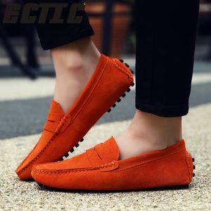 Qwedf Marque Style De Mode Doux Mocassins Hommes Mocassins Haute Qualité En Cuir Véritable Chaussures Hommes Appartements Gommino Conduite Chaussures Mc-103 MX190729