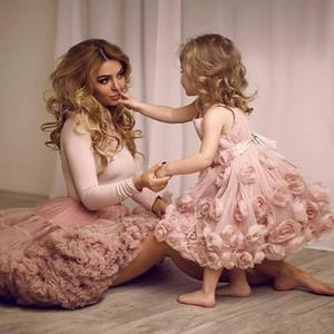 Vintage Pembe Çiçekler Tül Balo Çiçek Kız Elbise 2019 Yeni Büyüleyici Spagetti Sapanlar Diz Boyu İlk Communion elbise Kızlar Için
