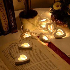 2M 20 LED Liebe Wooden Heart Ivory Warm White batteriebetriebene Licht-Schnur für Feiertags-Dekoration Halloween Valentinstag Weihnachten