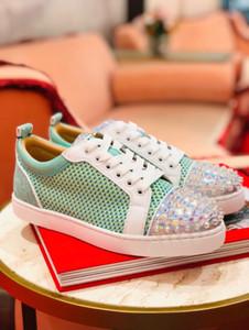 أنيقة الصيف تنفس شبكة مع المسامير أحذية رجالية عادية الأحمر جديد أسفل حذاء رياضة رخيصة العلامة التجارية الجديدة EU35-47 المشي في الهواء الطلق