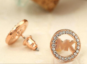 Nueva llegada Classic Fashion Letter Rhinestone Round Shape Earring Stud Gold, Silver, Rose Gold Color Ear Stud para mujeres Lady