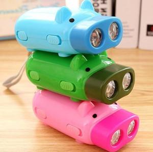 Criativas novely Pressionando Piggy Mão Lanterna Pig mão Pressão auto-geração Mini Lanterna 2 lanternas de LED tochas ao ar livre portáteis