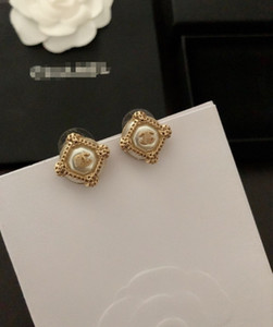 Designer women earring 2020 new classic letter fashion luxury earring with box free shipping 062407
