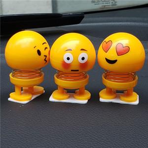 Simpatico Emoji Mini Scuotendo la testa Auto Ornamento Bambole Divertente Sorriso Faccia Molle Danza Giocattoli Ornamenti per auto Kawaii Regali di Natale con confezione