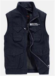 Men Designer Vests Winter Men Outdoor Multi Bag Plus Size Keep Warm Vest Tooling Casual Men Vest