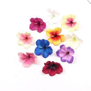 Il nuovo disegno 200pcs 5 centimetri Mini orchidea di seta testa di fiore artificiale per la decorazione domestica Wedding tocco reale Orchis Cymbidium Fiori Piante