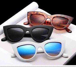 Wholesale-New Cat Eye Frauen Sonnenbrillen getönte Farbe Lens Men Vintage Shaped Sonnenbrille Brillen weiblich Blau Sonnenbrille Markendesigner