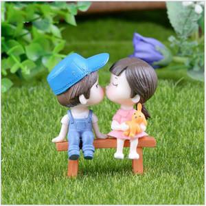Miniatura sveglie amanti della decorazione presidente Set Micro Paesaggio Moss Fairy Garden Accessori amanti Bambole Banchi Coppie fai da te Ornament DBC BH3145