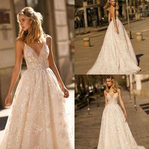 Berta 2020 Vestidos de novia de encaje sexy con apliques A Line Sweep Tren Spaghetti Vestidos de boda en la playa Por encargo Sexy Lentejuelas Boho vestido de novia