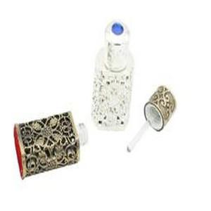 2016 Us Metal Perfume Bottle Empty Arab Style Alloy Hollow Out Essential Oils Bottle Middle East Glass Dropper Bottleperfume YJCKa