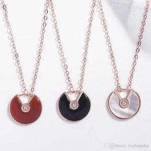 Brand designer 18K rose gold amulet necklace Natural black   red agate white sea shell feminine temperament wild clavicle chain