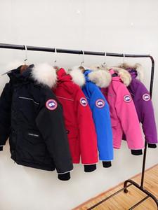 Canadá chica chico marca chaquetas de algodón abrigos de invierno de niña caliente 100% cuello de piel de lobo abajo de la chaqueta de los niños Los niños Outerwears para el invierno frío