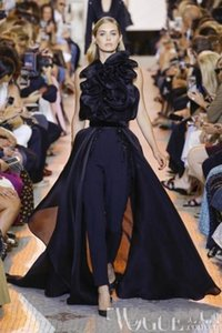 Elie Saab Suit Up Prom Macacão com Trem 2020 Floral Alta Neck Dark Navy Stain At Attention Prom Pant Suit Set Evening Gowns