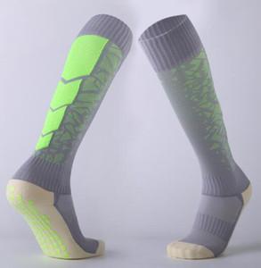 Diseñador de dispensación antideslizantes del calcetín de fútbol toalla engrosada inferior de la rodilla calcetines de longitud cómoda transpirable fútbol yakuda aptitud recta
