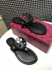 Femmes Hommes DesignerLuxury Sandales Diapo sandales de plage cinq couleurs doublure en peau de vache Chaussures Slipper QS19 Flip Flop Box Taille 35-43 B2021706T