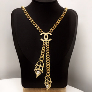 Europe et Amercia Femmes Mode Bijoux plaqué or Pendentif Bracelet Collier de verrouillage pour les filles pour femmes de soirée de mariage 001