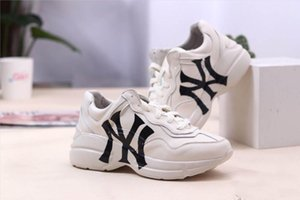 Men Rhyton Sneaker with Mouth Lip Print NY Yankees Women Brand Vintage Trainer Men Designer Mountain Climbing Casual Shoes Oversize Sneaker