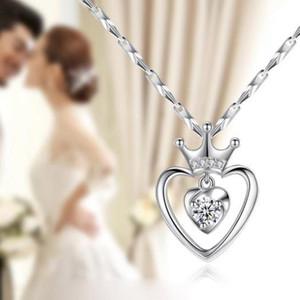 New Vintage Love Heart Collana Hot Women Fashion Elegante strass Hollow Peach Heart Crown Pendente Regalo di San Valentino