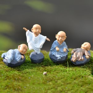 Resina Monk Kung Fu Monk fumetto Miniature Mini Monk ornamenti terrario decorazioni Moss Succulente Micro Paesaggio Crafts Kids Toy BH2351 ZX