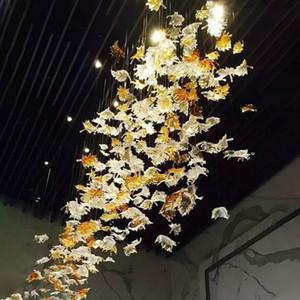 Soplado de la decoración del arte del hotel Maple Leaf iluminación de la lámpara de cristal de color ámbar transparente pendiente manual Luz de techo de cristal luz del proyecto de decoración del hogar