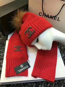 Moda-2019 de inverno qualidade superior Luxo Designers MEWomens tricô chapéus cachecóis Sets casquenie chapéus gorro de cappelli Firmati tampas C03