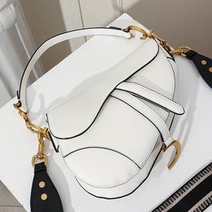 Nouveau mode classique dames d'épaule Sac de selle de mode Lettre métal sac à main style impressionnant Accessoires Sac de selle style Sacs à main Type3