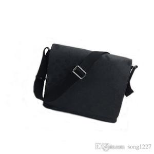 nouveaux sacs de 42postman 404small et de grands sacs à bandoulière sont le meilleur match de tous les jours pour les hommes à la mode avec un espace intérieur spacieux et lumineux