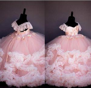 Abiti di pizzo di colore rosa in rilievo fiore ragazza abiti di sfera fatto a mano fiori Bambina Vintage Wedding Pageant bambini abiti
