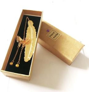 Marcador de plumas de metal de cobre caja de regalo de oro amor oro y plata encanto único invitado colgante favor suerte con la borla