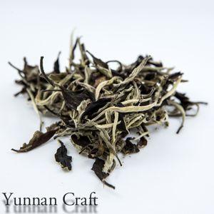 Moonlight White (Yue Guang Bai) - 150y viejo crecimiento Withe té (Yunnan Gu Shu Bai Cha) 2016 Final de la primavera,
