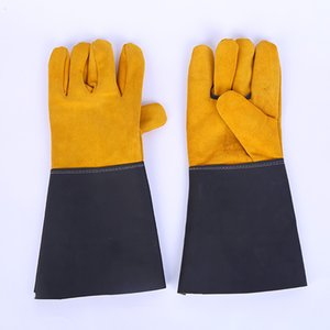 Unisex couro solda elétrica Glove Defesa Queime isolamento térmico Welding Metade luva de couro de duas camadas Luvas de couro do couro