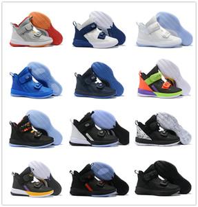 Lebron Soldado 13 Preto Branco Roxo Mens Tênis De Basquete L13 Alta Corte Homens Sapatos De Grife Esportes Trainer Tamanho 7-12 Com Caixa