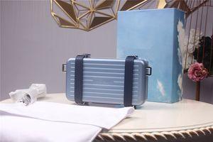 2020 حقائب جديدة 2DRCA295YWT_H31E إمرأة حقيبة يد BLACK AND الشخصية قابض في الألومنيوم والحبيبات العجل مع مربع