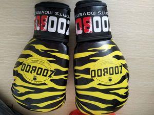 Profesional del tamaño adulto Hombre de cuero Kick guantes de boxeo Mujeres Mma Muay Thai Fight Guante Luva De Box Fitness Training Gear