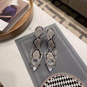 20SS classique talons mode Souliers d'été femme avec strass fleur de cristal transparent Sandales avec Sexy Pointu Toes Chaussons