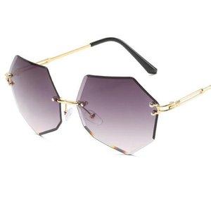 2020 New Square Frameless Sunglasses Women Gradient Alloy Frame Glasses Trimmed Lens Designer Fashion Female Shades UV400