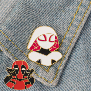2 Arten Cartoon kreative Mode Emaille Pins Deadpool Spiderman lustige Abzeichen Broschen für Freunde Geschenke Schmuck