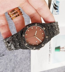 reloj mujer high quality big full diamond watch women men Ladies dress Luxury Designer Womens Watches Bracelet Rose Gold Clock