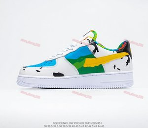 2020 xshfbcl Flying Duck1 Casual Shoes Classic Men Women Skateboard Shoes Blue Sky Milk Sneakers Sports Graffiti Jogging Shoes