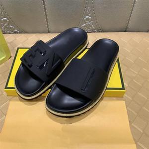 Top marques en caoutchouc noir Lames de luxe de la mode Hommes Sandal New Style Flip Flop Top qualité mens Chaussons Taille 38-45