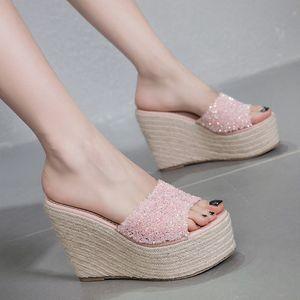 Mini2019 Tuoxie Xia One A Palavra Drag Sandálias Sapatos Muffin Fora da Roupa das Mulheres Inclinação Alta Com Chinelo Fresco Flange Mulher