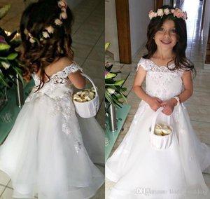 Schöne weiße lange Spitze Boho Blumenmädchenkleider Tochter Kleinkind Hübsche Kinder Festzug formales Erstkommunion Kleid